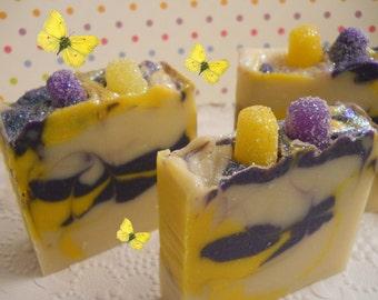 Handmade soap/Lavender & Lemon/Lush soap/Lush type soap/natural soap/all natural/soap/handmade soaps/bar soap/all natural soap/lavender soap
