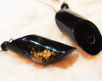 Black coral earring (Eunice)