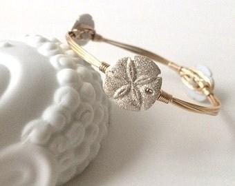 Sand dollar bangle bracelet, Nautical wire wrapped bangle bracelet, Summer bangle bracelet, summer jewelry