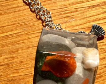 shells and stones squared resin necklace