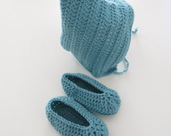 Pixie bonnet and baby shoes