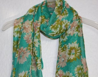 Daisy Scarf, Flower Scarf, Green Floral Scarf, Spring Summer Scarf, Womens Gift, Daisy, Daisies, Flowers, Floral Pattern, Spring Accessories