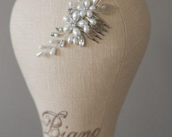 Bridal Hair Comb, Pearl Hair Comb, Wedding Headpiece, Wedding Pearl Comb, Flower Hair accessories, Vintage Headpiece, Bridal Hair Accessory