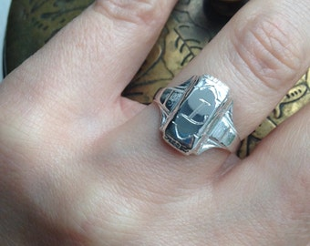 Gertrude Vintage Style Class Signet Ring