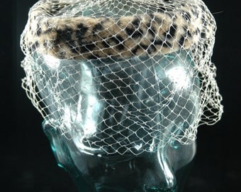 Vintage Women's Capulet Style Hat with Animal Print and Cream Colored Face Netting   01106