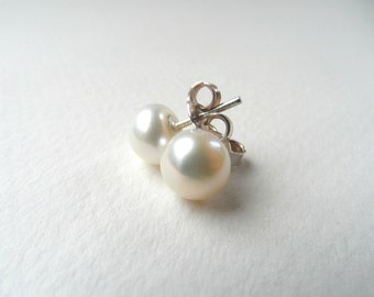 Freshwater pearls stud earrings, sterling silver earrings, bridal earrings, bridesmaid earrings, bridesmaid earring, wedding earrings