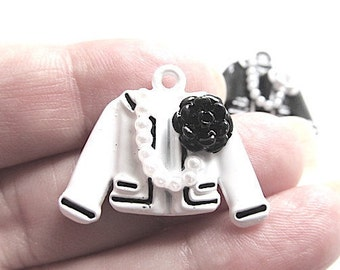 5 White Jacket Enamel Charms Pendants Sweater Flower Charm 27mm x 20mm CS-0647