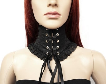 Black neck corset with lace