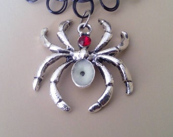 Gothic glow in the dark spider pendant. Spider necklace. Gothic choker. Tattoo choker.