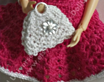 Handmade knitted handbag for  Momoko  and Blythe dolls.