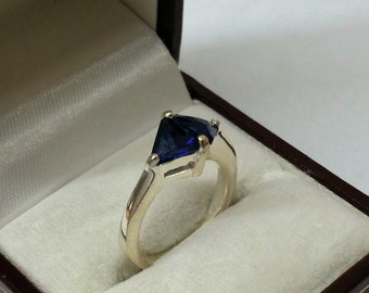925 Silver ring with crystals blue 17.4 mm SR562