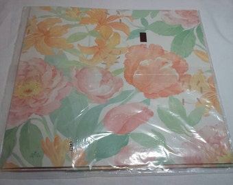 Vintage Floral Gift Wrap Wrapping Paper by Hallmark 1980s