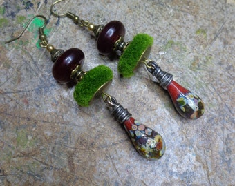 Earrings ethno/Bohemian/rustic, glass yarn torch, Horn, wool and metal color bronze