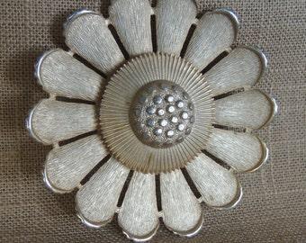 SALE PRICE:Vintage Sarah Coventry Daisy Brooch, large 3 inch round brooch