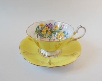 Yellow and Gold Floral Vintage Teacup -Queen Anne Tea Cup and Saucer Set - English Teacup Set - 1950s Tecup