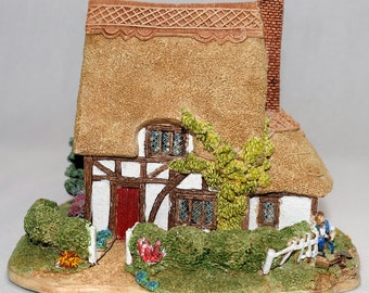 Lilliput Lane Suffolk Cottage 1995 Paint Your Own - Already Painted