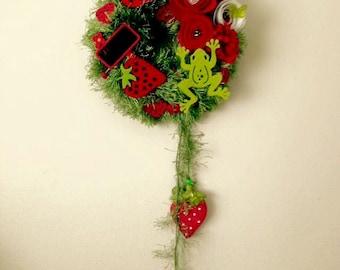Yarn Wreath, Strawberry Wreath, Spring Wreath, All Season Wreath, Felt Flowers Wreath, Wall Decor, Summer Wreath, Home Decor