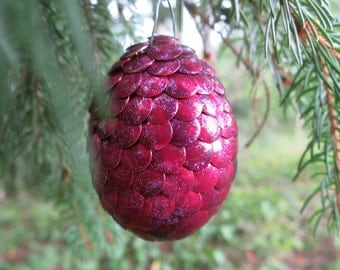 Dragon egg ornament - magenta