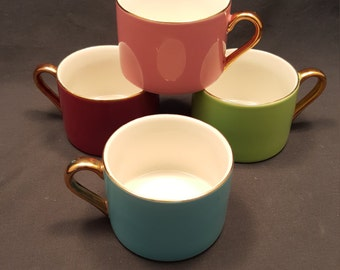 Set of 4 Vintage Pastel Colored Classic Coffee & Tea Mugs Cups