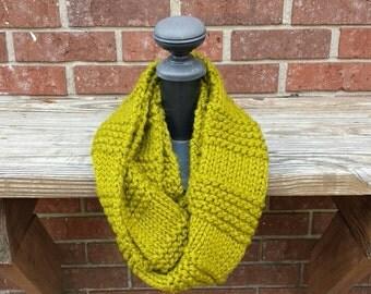 Knit Infinity Scarf, Chunky Knit Scarf, Cowl - Lemongrass