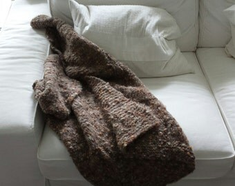 Small blanket or wrap (knitted)