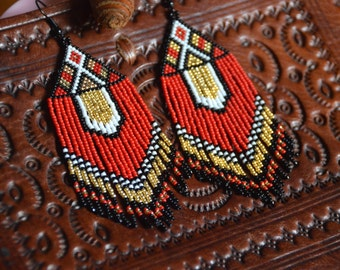Seed bead earring, Native American style, boho earring, tribal earring, fringe earrings, beadwork jewelry, ethnic style