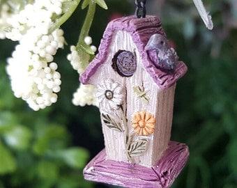 Miniature Daisy Birdhouse