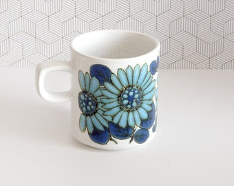 Vintage 70s blue flower mug | flower power, hippie