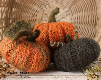 Halloween and Fall Decor, Knit Pumpkin Set of 3, Harvest, Autumn Decor, Thanksgiving Ornament, Housewarming Gift, Country Home Accent