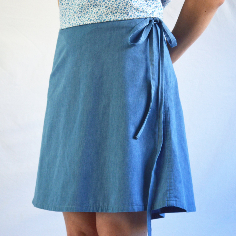 READY The Short Wrap: Women's short wrap-around skirt