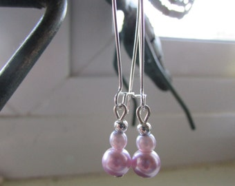 Pink and lilac earrings , Beaded earrings , Kidney wire earrings , Silver plated earrings , Dangle earrings
