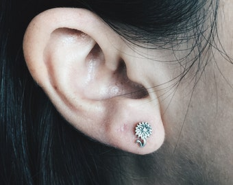 Silver Sunflower ear studs, Sunflower earrings, Silver sunflowers, tiny flower earrings, flower ear studs, silver earrings (ES14)