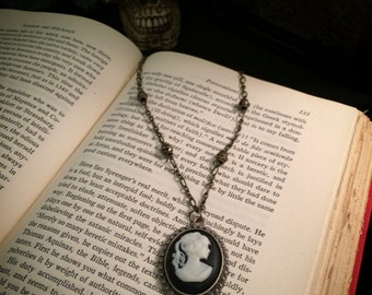 Vintage style cameo necklace