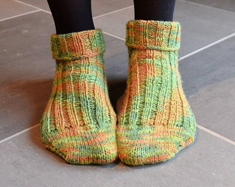 Cozy Ankle-High Ribbed Socks // Green and Brown Short Stockings