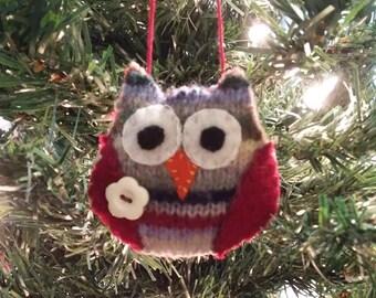 Striped Owl w/white button