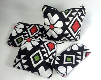 Geometric Flower Zipper Pouch / Handmade Pouch / Gift Idea / Black and White / Triangle Travel Bag / Makeup Bag / Cosmetic Bag / Coin Pouch