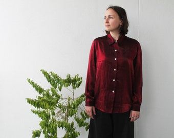 90s iridescent long sleeve blouse/top in deep ruby red with collar and shine / sparkly / size small
