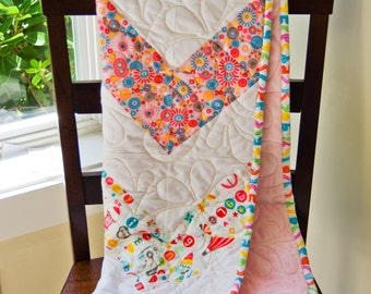 ADORABLE Zig Zag Girlie Girl Baby Quilt, Minky Backing, GREAT Baby Shower Gift, ~39  x 40 Colorful Throw, Professionally Quilted
