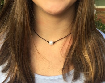 Single Pearl Leather Necklace