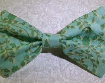 Hair Bow - Green & Gold vines