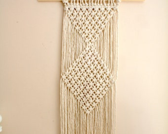 Macrame wall hanging, woven wall hanging, woven wall tapestry, macrame, bohemian wall hanging, bohemian home decor, housewarming gift idea