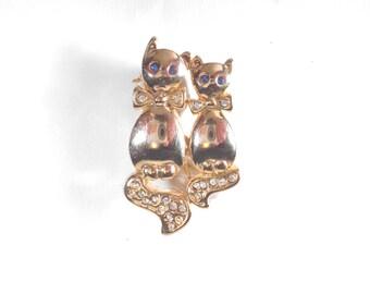 Vintage Goldtone Cats Rhinestone Brooch RS1542