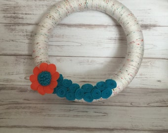Spring Wreath, Yarn Wreath, Yarn Wrapped Wreath, Summer Wreath, Front Door Wreath, Handmade, Felt Flower Wreath, Housewarming Gift