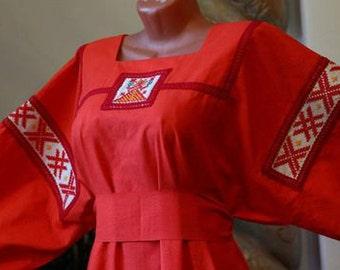 Dress Zhiva. flax 100%. Handbag a pouch + girdle. Hand embroidery!
