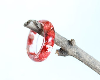 Real Babys Breath Flower Ring, Resin Ring, Red Ring, Resin Jewelry, Nature Jewelry, Flower Jewelry, Pressed Flowers, Flower Ring, Fairy Ring