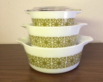 Vintage Early 70s Pyrex Square Flowers Green on White Casserole Set 470