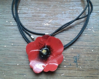 Flower Necklace, Flower Enamel Necklace, Red Poppy Necklace, Nature Necklace, Lariat Necklace, Modern Jewellery, Brass Jewellery