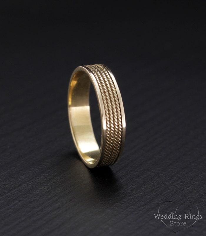 Filigree wedding band Minimal wedding ring Yellow gold band