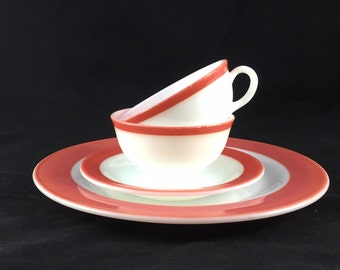 Vintage pyrex dinnerware flamingo pink band 4 pieces, coral, red, pyrex plate saucer cups