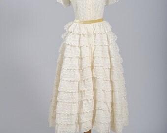 1940 Ruffled Vintage Wedding Dress